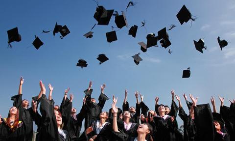 Studenci w Anglii wkrótce powrócą do zajęć stacjonarnych