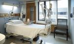 Urodzenie dziecka, pobyt w szpitalu, śmierć teściów. Ile zapłaci ubezpieczyciel?
