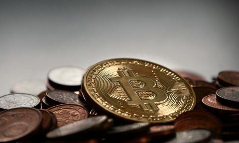 Szef rządowego CPB: Holandia musi zakazać bitcoinów i innych kryptowalut