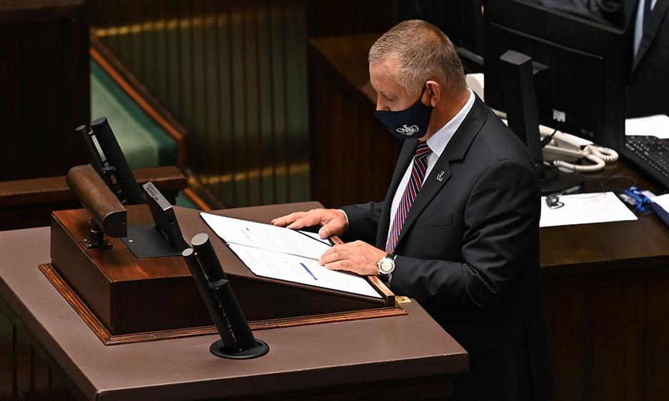 Budżet 2020 w Sejmie. Marian Banaś pyta rząd o 224 mld zł