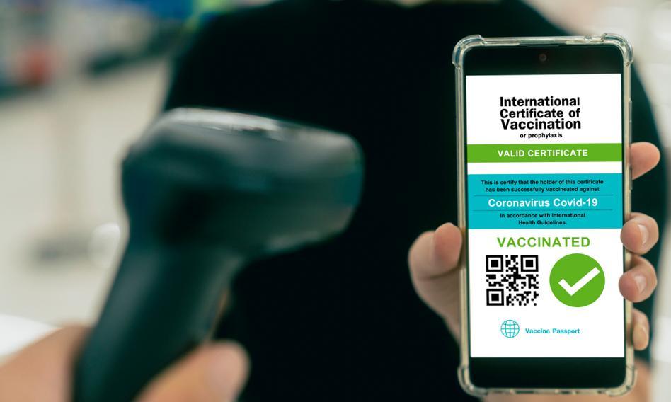 Ponad 3 mln Polaków pobrało Unijny Certyfikat COVID w aplikacji mObywatel