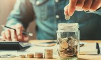 Kryzysowe oszczędzanie dołuje gospodarkę