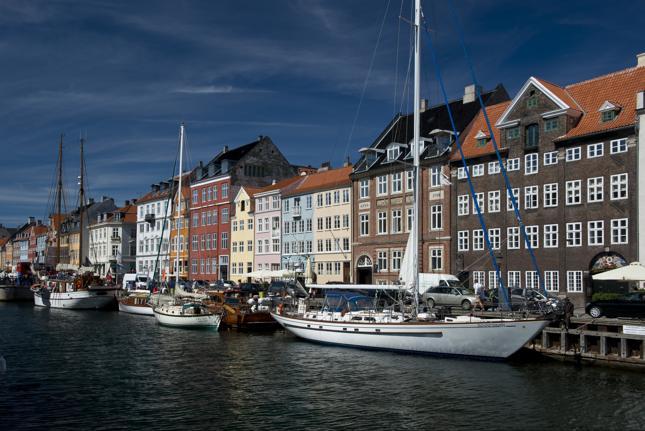 """""""W kraju znanym z ulubienia dla równości rosną postawy nacjonalistyczne. Duńska Partia Ludowa (Dansk Folkeparti) miała świetne wyniki w poprzednich wyborach"""""""