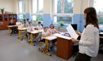 Pensje i czas pracy nauczycieli. ZNP odrzuca propozycje rządu