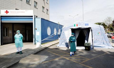 Od stycznia do maja o ponad 36 tys. zgonów więcej we Włoszech