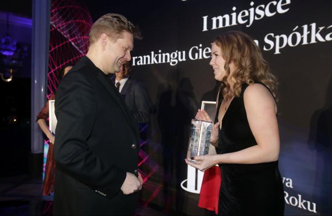 """Wiceprezes CD Projekt Piotr Nielubowicz i prezes Bonnier Business Polska, wydawcy """"Pulsu Biznesu"""", Patricia Deyna"""