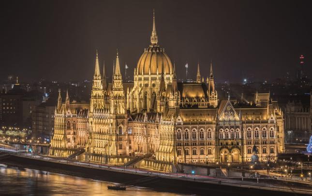 KE: węgierski podatek od przychodów reklamowych sprzeczny z prawem UE