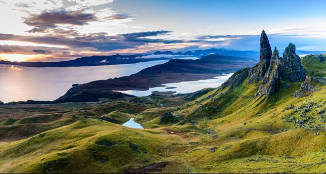 Wschód słońca nad The Old Man of Storr, Wyspa Skye, Szkocja