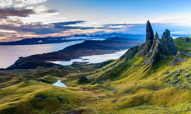 W Szkocji przestał obowiązywać nakaz pozostawania w domach