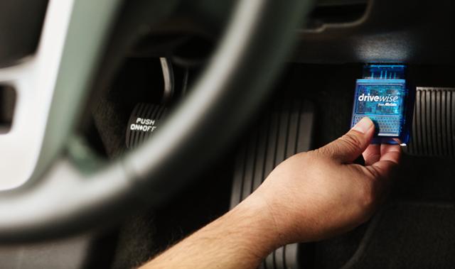 Czarna skrzynka pomaga kierowcom zyskać zniżki na OC