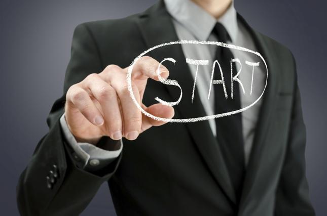 Startując z własną firmą, warto przeanalizować wady i zalety bycia na swoim