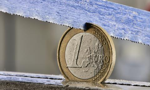 """Parlament Europejski ostrzega Komisję, że pozwie ją do TSUE """"za brak ochrony budżetu"""""""