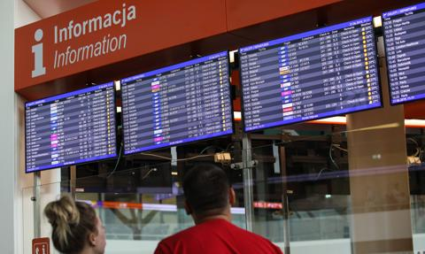 Wraca 10-dniowa kwarantanna dla osób przybywających spoza strefy Schengen