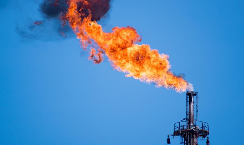 Ropa w USA powiększa wzrosty notowań, bo OPEC coraz bliżej obniżenia produkcji