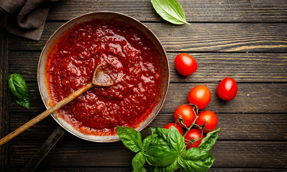 Bilet wstępu na basen i na plażę oraz sos pomidorowy. Oryginalne nagrody za szczepienie we Włoszech