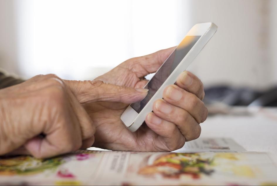 Telefony dla seniora. Jaki smartfon dla seniora wybrać?