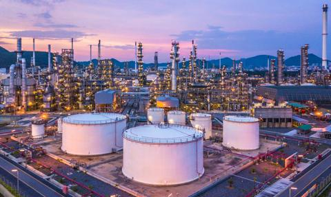 Cena ropy w USA lekko spada, po wzroście o 8 proc. w ciągu ostatnich 3 sesji
