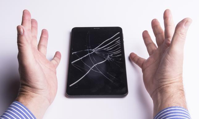 Umowy serwisowe przypominają umowy ubezpieczenia sprzętu, ale ich konsekwencje są zupełnie różne