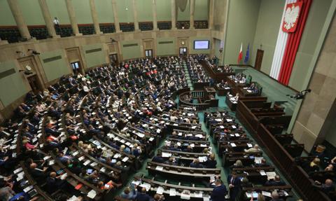 Sejm przyjął sprawozdanie z wykonania budżetu za 2017 r., udzielił rządowi absolutorium