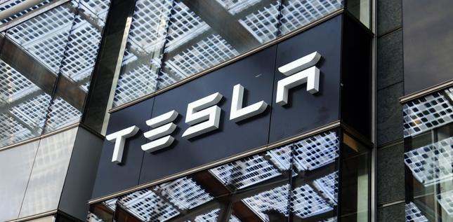 Tesla wyprzedza Volkswagena