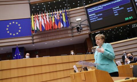 Angela Merkel przedstawiła w Parlamencie Europejskim swoją wizję Unii