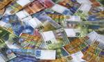 """""""FT"""": Wzmocnienie szwajcarskiego franka zbiera coraz więcej ofiar"""