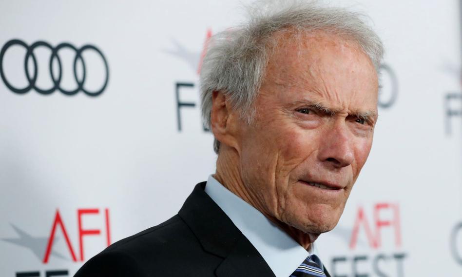Przekazała oszustom ponad 600 tys. zł.; miało być na leczenie Clinta Eastwooda - Bankier.pl
