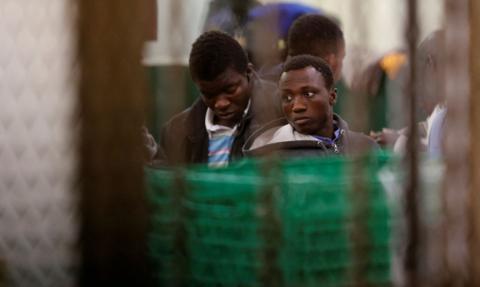 Francja ma problem z uchodźcami. Zamyka punkty na granicy z Hiszpanią