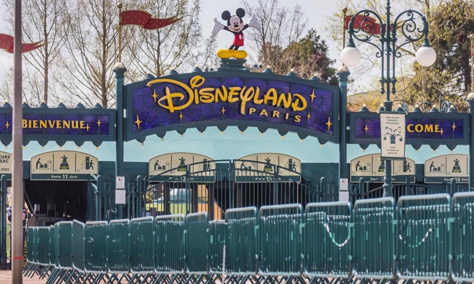 Paryski Disneyland zacznie znowu działać