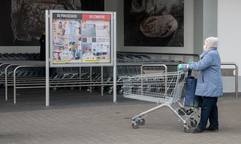 Raport GUS: w Polsce obniżył się odsetek ubóstwa. Polepszyła sytuacja dzieci