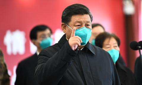"""Chiński przywódca przestrzegł w Davos przed """"nową zimną wojną"""""""