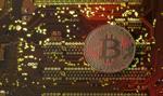 Fundusze grały na spadki, bitcoin wzrósł o 50 proc. Uwaga na Walentynki