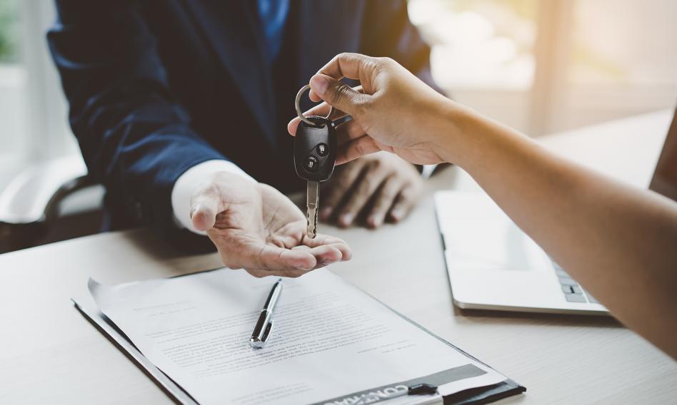 Kredyt balonowy a leasing. Jak opłaca się sfinansować zakup samochodu?