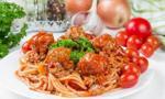 Włochy: Parlament zdecydował, jak należy podawać oliwę w restauracjach