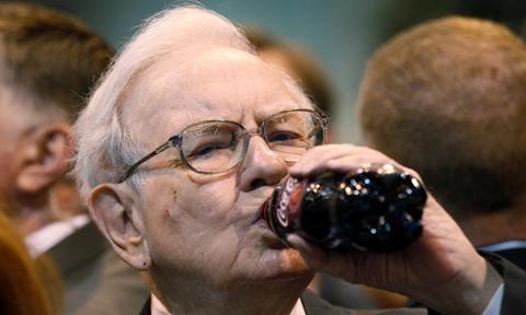 Buffett znów wyraźnie przegrał z rynkiem