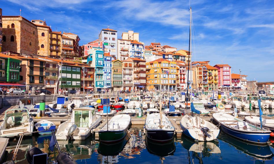 Masowe wyjazdy i chaos komunikacyjny w wielu regionach Hiszpanii po poluzowaniu restrykcji