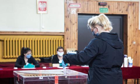 Pakiet wyborczy można wrzucić do urny w dniu głosowania