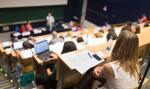 Coraz więcej Polaków chce studiować za granicą