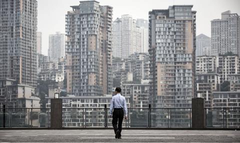 Chiński gigant słania się pod ciężarem długu