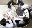 Czy trzeba naliczać VAT od wydatków na poczęstunek kontrahentów w firmie?