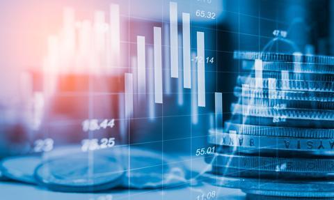 Rynek akcji w USA wyceniony bardzo wysoko; krajowe spółki nadal atrakcyjne [Opinia]