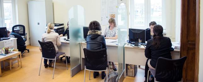 W bankach nadal ubywa pracowników - na koniec marca było ich 167,9 tys.