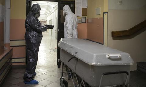 WHO: wkrótce 100 tys. zgonów w związku z Covid-19 na tydzień