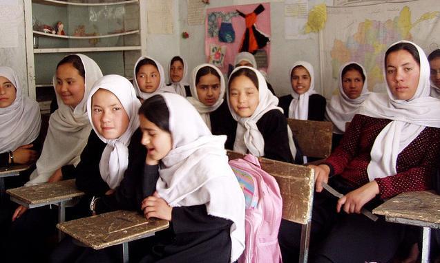 Afganka została postrzelona i oślepiona, bo miała pracę