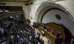 """""""El Pais"""": Od maja ukrywa się lub zostało uwięzionych 22 posłów z Wenezueli"""