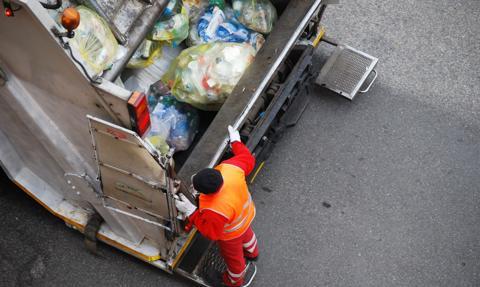 Warszawskie spółdzielnie mieszkaniowe wzywają do uchylenia tzw. uchwał śmieciowych