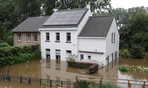 Powodzie w wielu miejscach Holandii. Ogłoszono alert