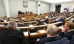 W Senacie debata nad ustawą dezubekizacyjną; wcześniej protest PO