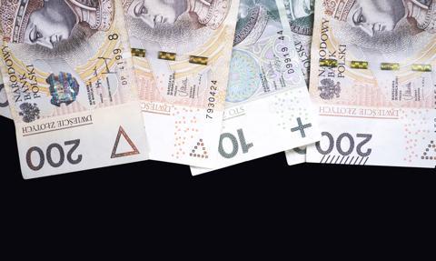 Standard Chartered obniża prognozę dynamiki PKB Polski w '21 do 3,5 proc.