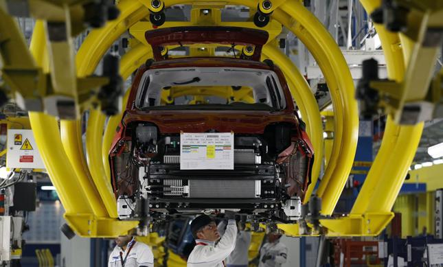 Trump rozważa restrykcje wobec europejskiego przemysłu samochodowego